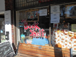 Front window of The Book Shelf in Tryon, NC.